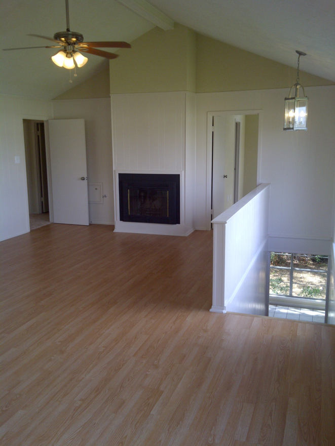 Picture of the Living Room in the house for sale at 106 Magnolia Lane, Conroe, Texas 77304